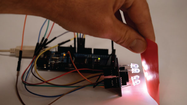 Sensing-color-with-Arduino-Tutorial-Example.jpg